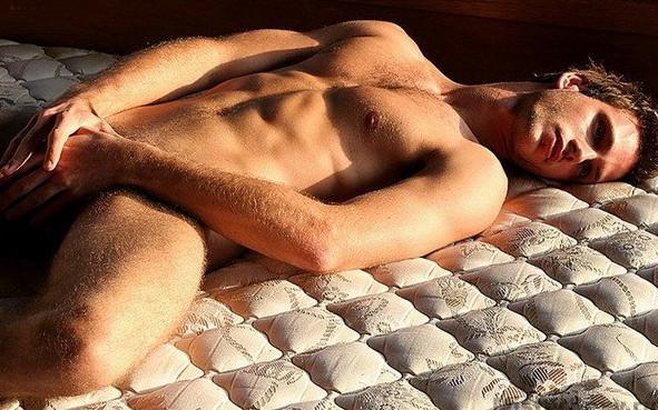 Фотосессия голых мужчин